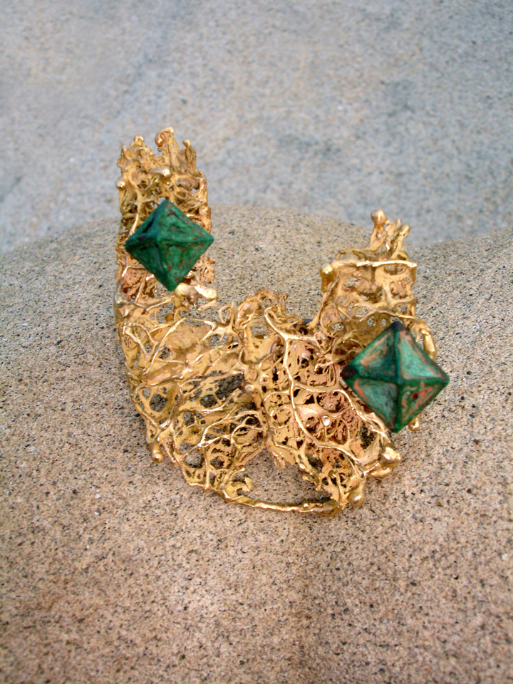Ruth, pin, gold cast from a wild cucumber pod, with cuprite crystals, 1960s